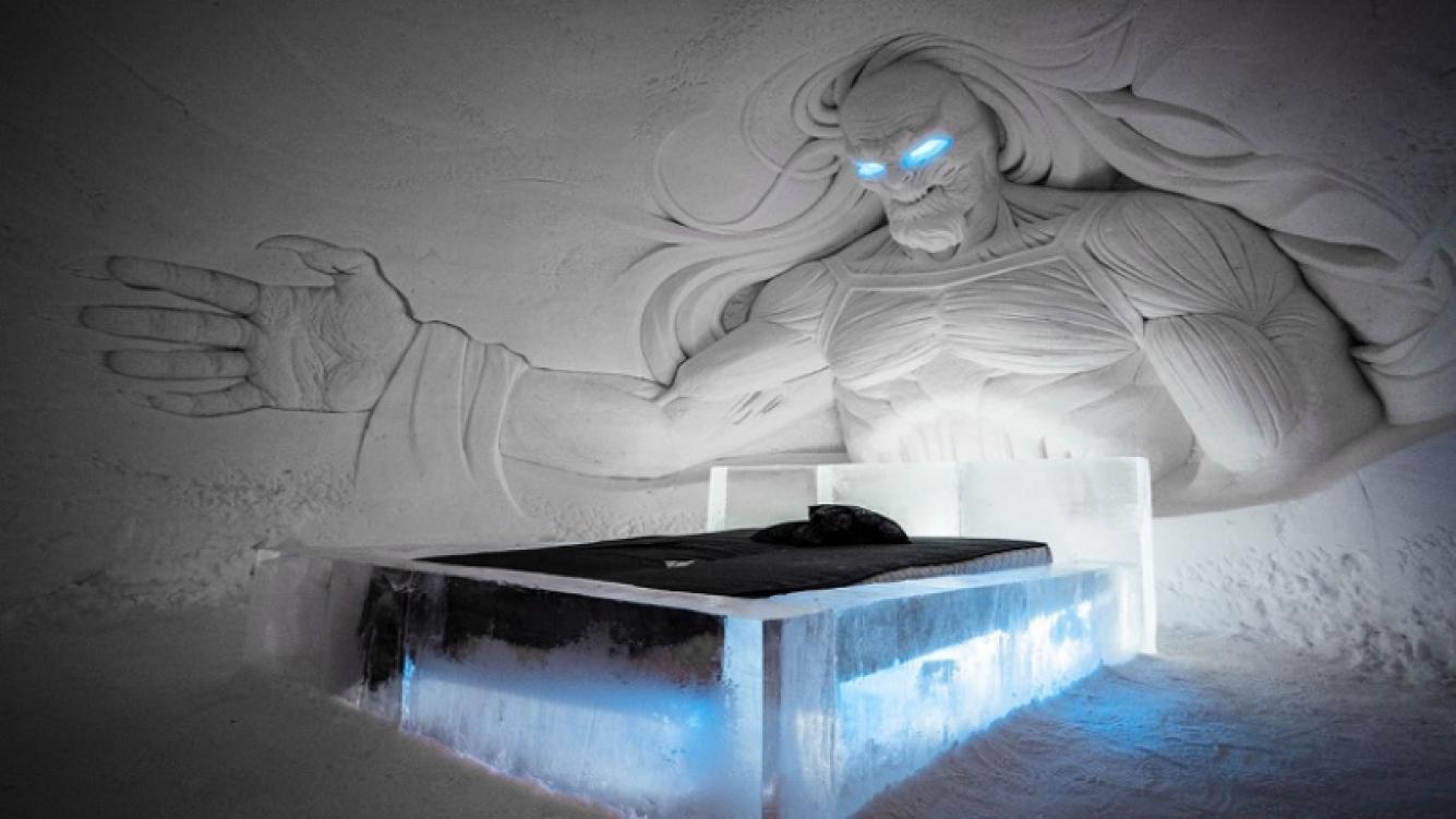 Hotel recrea sus instalaciones con figuras de hielo