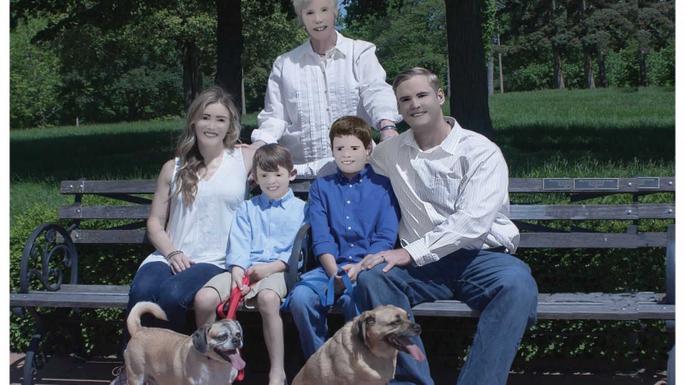 La foto de esta familia parece un dibujito
