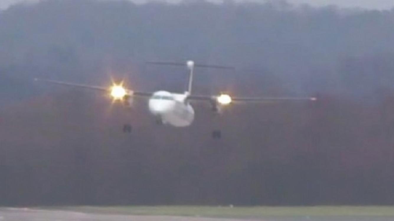 Avión aterrizó en Alemania tras una gran turbulencia
