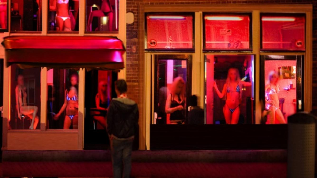 """Estas son las nuevas normas para ver a las prostitutas de la """"Zona Roja"""" de Holanda"""