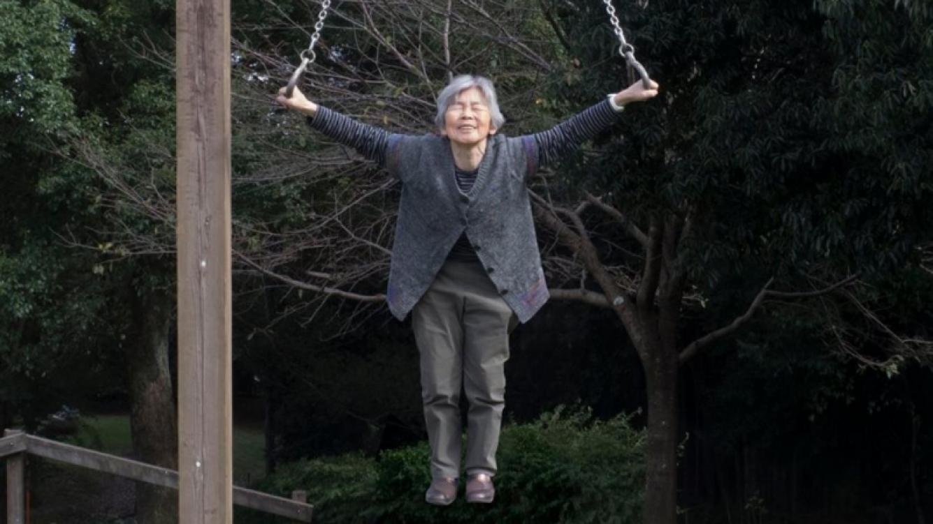 Abuela japonesa sorprendió a las redes con sus curiosas fotos