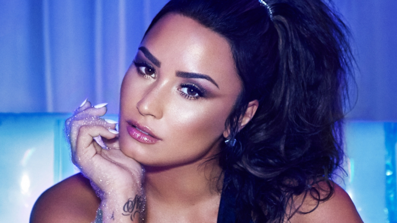 https://cdn.ciudad.com.ar/sites/default/files/styles/ciu_nota_slider_contenido_hd/public/nota/2018/02/06/demi-lovato-press-photo-cr-dennis-leupold-2017-billboard-1548.jpg?itok=yMmIufI5