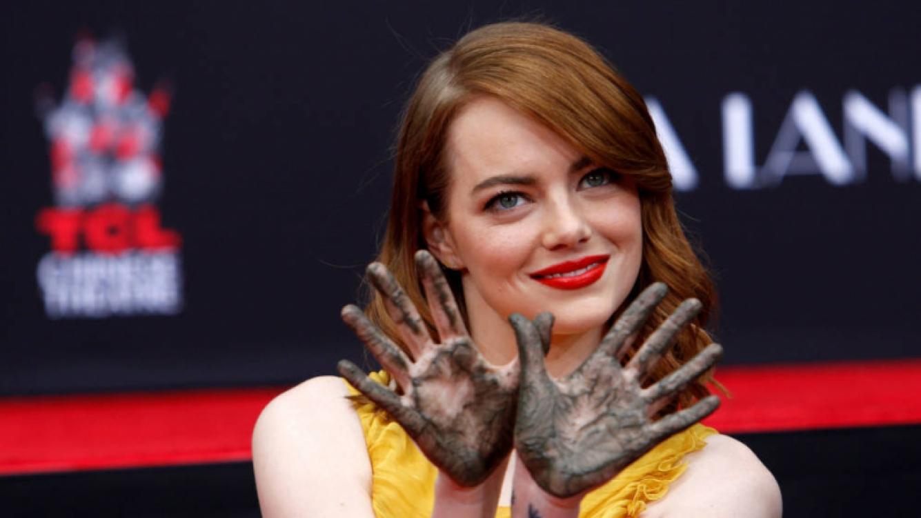 """Emma Stone se fracturó los brazos """"dos veces"""""""