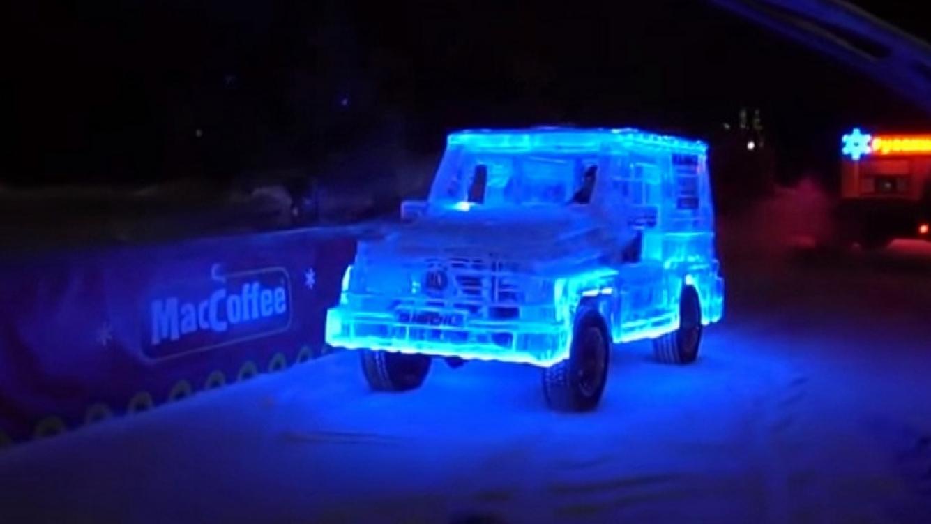 Crearon una camioneta de hielo que funciona como un auto normal