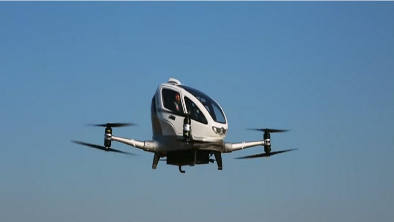 Un dron tripulado voló por primera vez en China