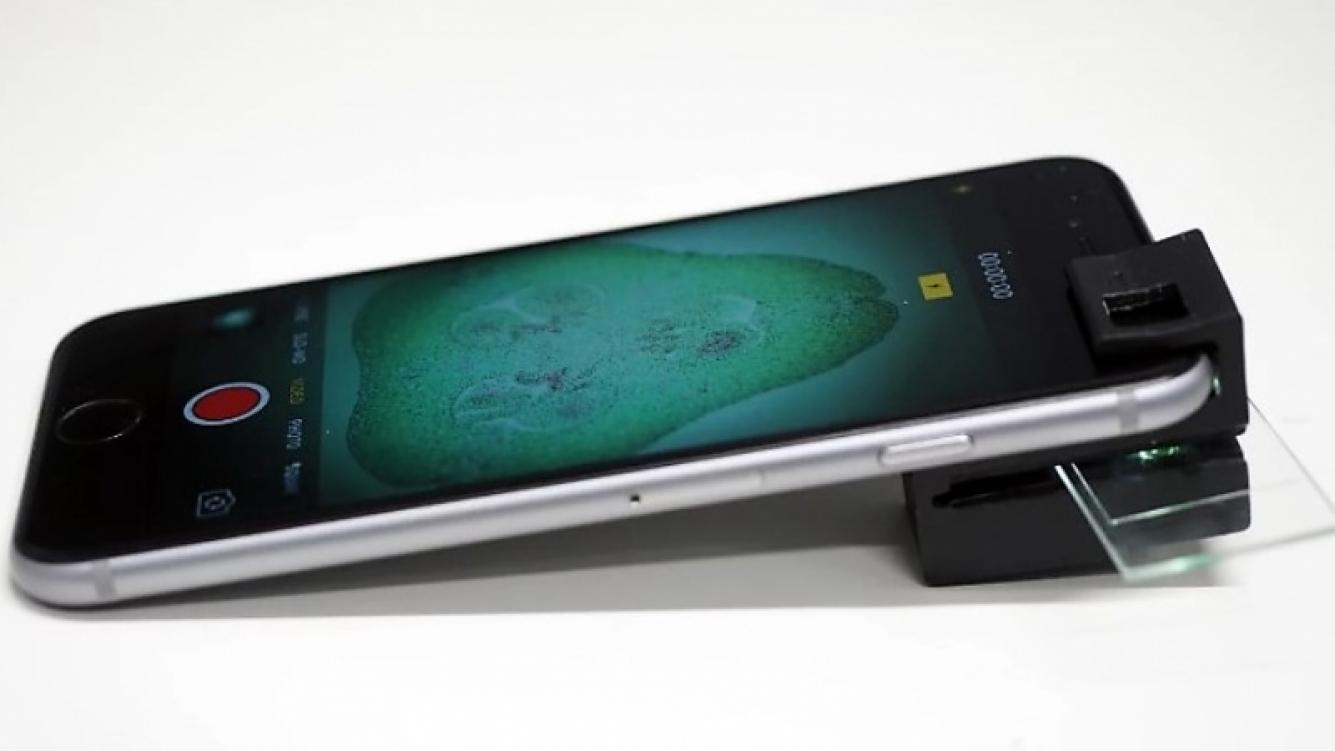 Clip-On impreso en 3D transforma un teléfono inteligente en microscopio