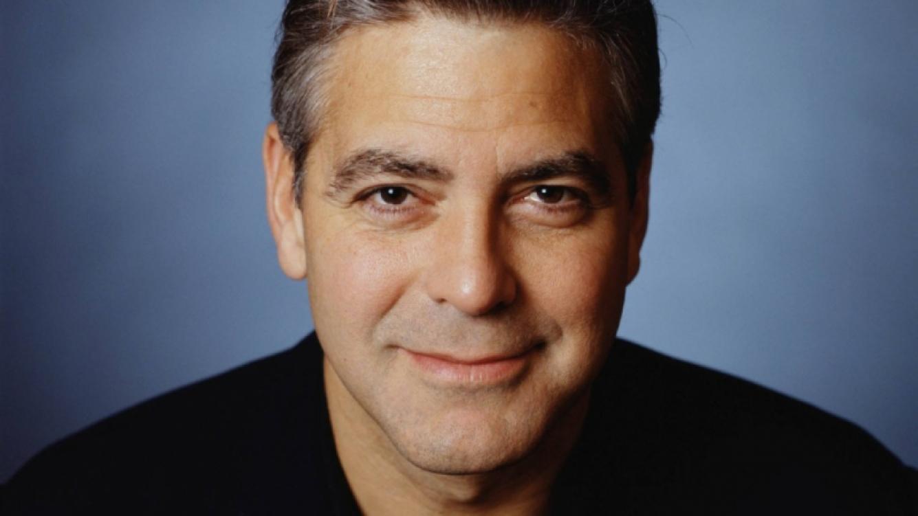 George Clooney jugó con los Cincinnati Reds cuando tenía 16 años