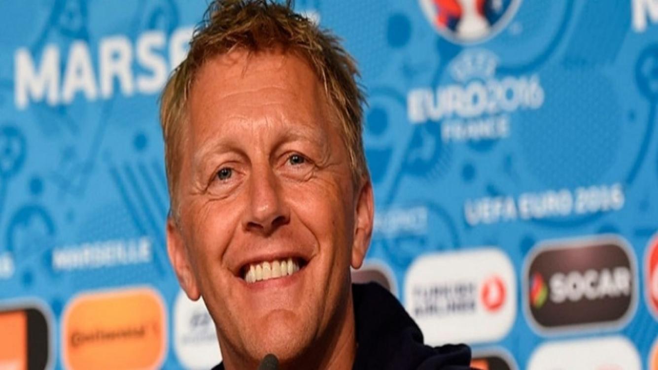 El técnico de Islandia le hizo una curiosa petición a Messi