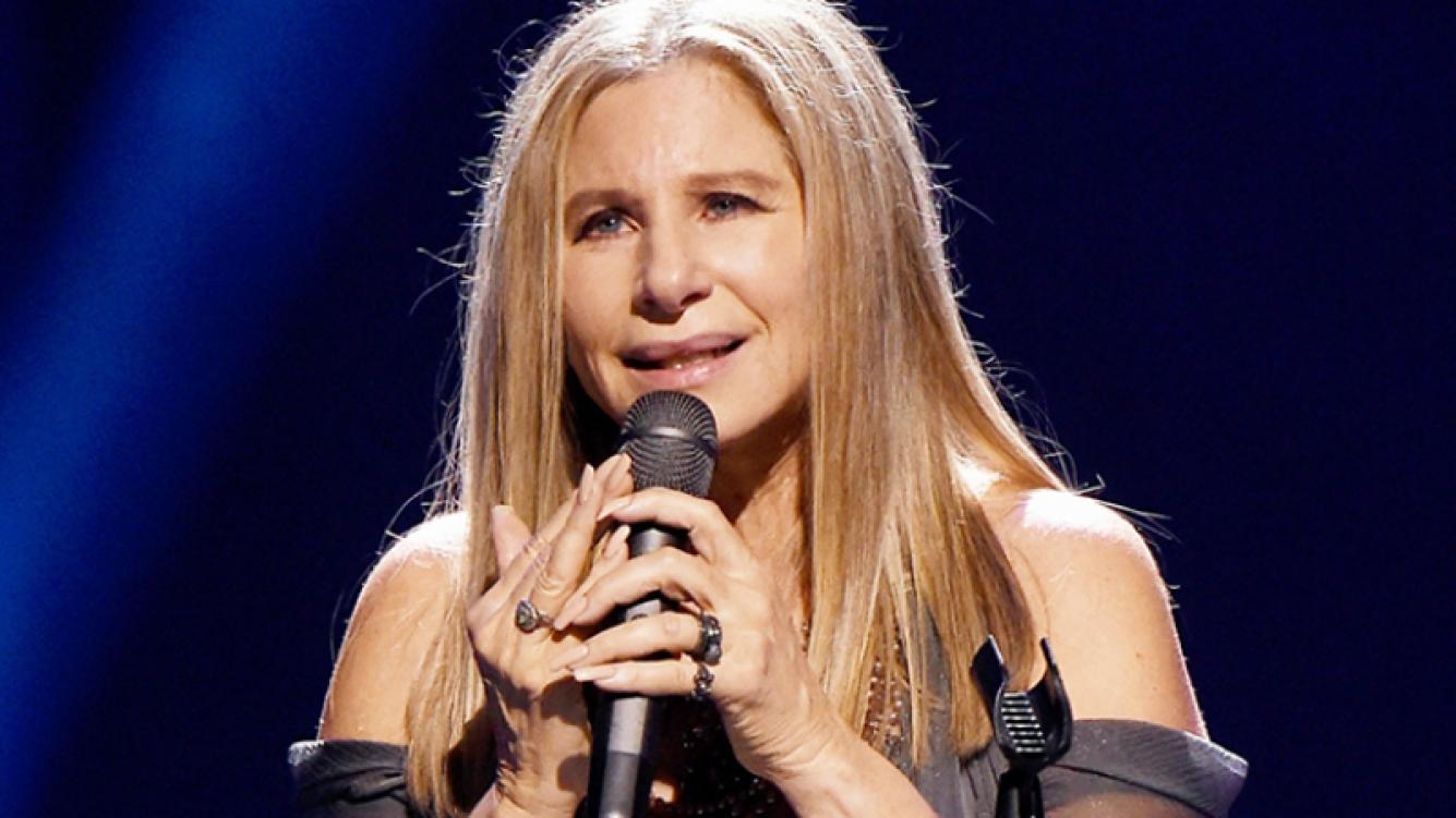 Barbra Streisand contó que clonó a su mascota.