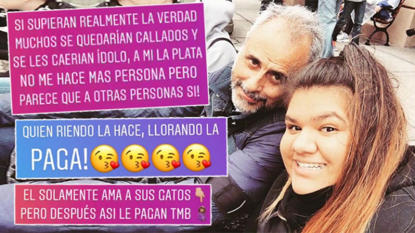 """Escandalosos mensajes de Morena Rial contra su papá: """"Solamente ama a sus gatos, pero después así le pagan"""""""