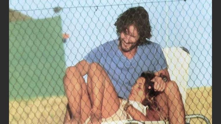 Eduardo Celasco y Vito Rodríguez, a los mimos en Punta. (Foto: Revista Gente)
