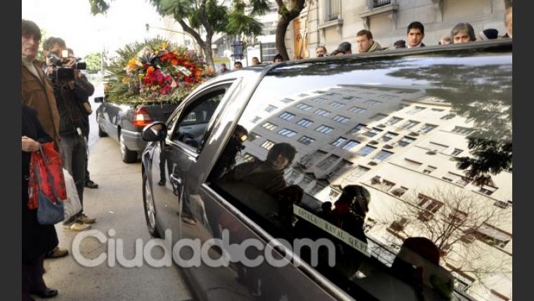 El conmovedor adiós a Estela Raval. (Foto: Jennifer Rubio)