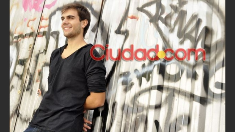 Thiago Batistuta posó para Ciudad.com. (Foto: Jennifer Rubio)