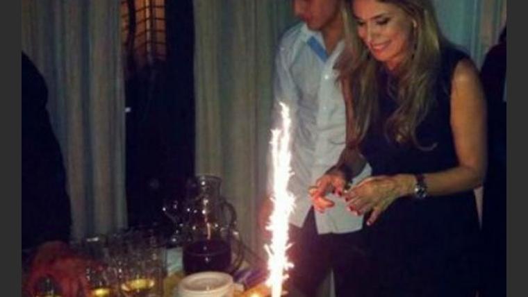Flavia Palmiero festejó su cumpleaños en su casa con amigos. (Foto: @pelumir)