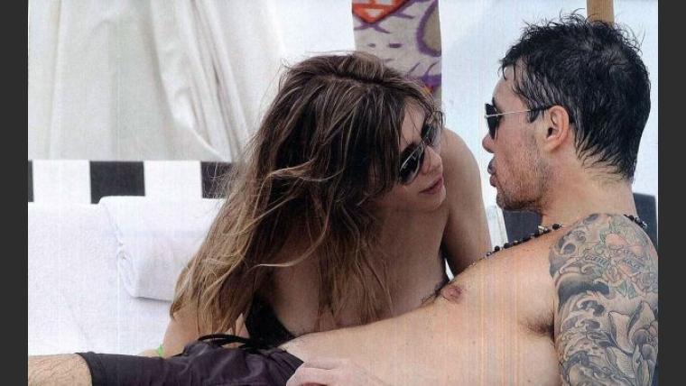 Marcelo Tinelli y Guillermina Valdés, románticos en Miami. (Foto: revista Gente)