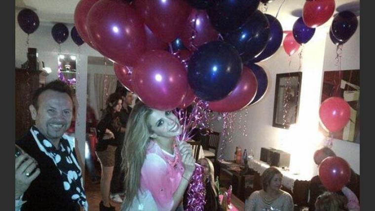 El 28° cumpleaños de Virginia Gallardo (Foto: Twitter).