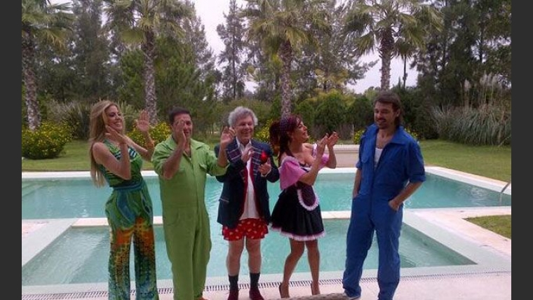 Pedro Alfonso festejó su cumpleaños junto al elenco de Mansión imposible (Foto: Twitter).