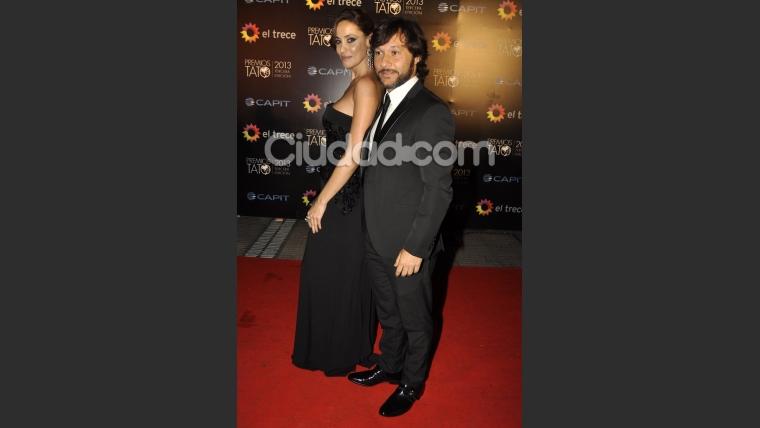 Diego Torres y Débora Bello, otra pareja muy glamorosa (Foto: Jennifer Rubio).