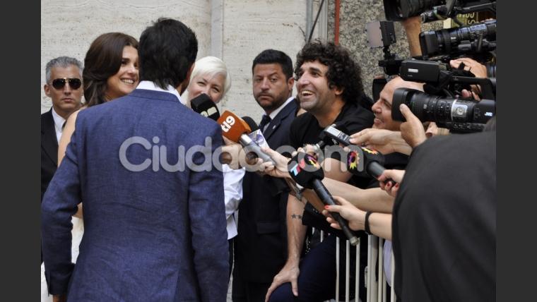 Después de posar para los fotógrafos, Araceli y Mazzei hablaron con la prensa. (Foto: Jennifer Rubio - Ciudad.com)