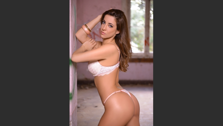 Maribel Fernández, una diosa que pide pista.