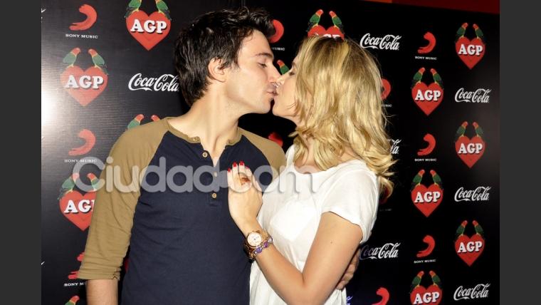Sofía Pachano, acaramelada con su novio. (Foto: Jennifer Rubio-Ciudad.com)
