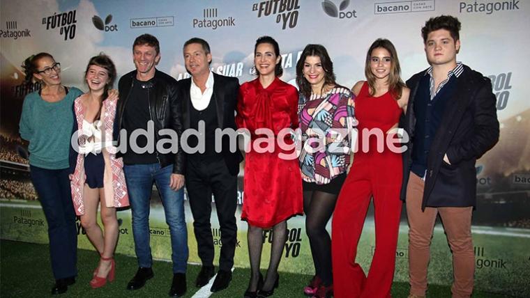 Famosos e invitados especiales en la avant premiere de El fútbol o yo. Foto: Movilpress.
