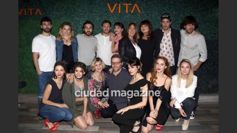 El divertido festejo del elenco de Las Estrellas (Foto: Movilpress)