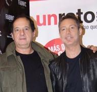 ¡Cien funciones! Suar, Chavez y el elenco de Un rato con él celebraron el éxito teatral