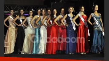 22 chicas representaron a sus provincias en la elección de la más bella (Fotos: Jennifer Rubio)