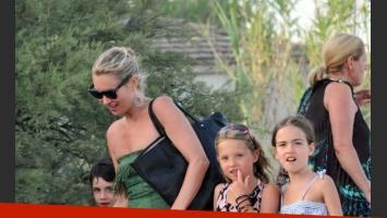 Kate junto a su hija y algunos hijos de amigos