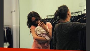 Victoria Beckham y Harper Seven, de poco más de dos meses. (Foto: Southern press)