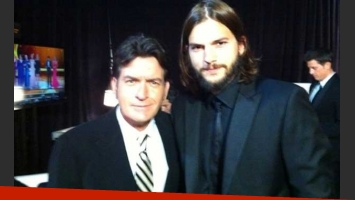 Charlie Sheen y Ashton Kutcher se encontraron en la entrega de los premios Emmy. (Foto: @charliesheen)