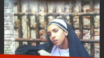 Cinthia Fernández posó como una monja para la revista Gente (Foto: Gente).