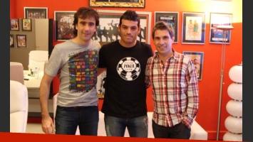 Cristian U., con Federico Hoppe (izquierda) y El Chato Prada (derecha). Foto: Ideas del Sur.