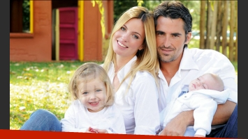 Rocío Guirao Díaz, con Nico Paladini y sus dos hijos. (Foto: Caras)