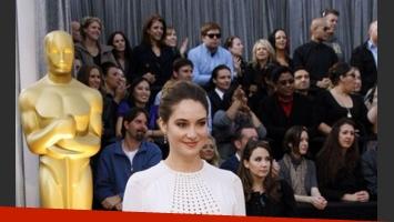 Shailene Woodley, demasiado recatada en Valentino(Foto: oscar.go.com).