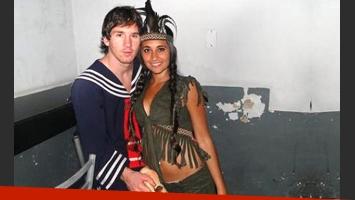 Lionel Messi, disfrazado de Quico. Su novia, Antonella Roccuzzo, de Pocahontas. ¡Crack! (Foto: Web)