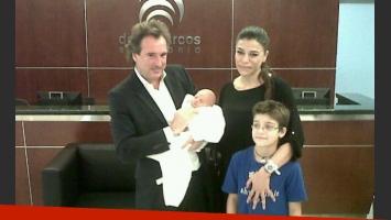 Marcelo Pocovi con su hijo Malek, Zulemita Menem y Luca. (Foto: Santiago Zeyen)