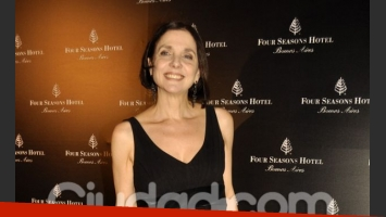 Silvina Chediek, con un look sobrio y de negro (Foto: Jennifer Rubio)