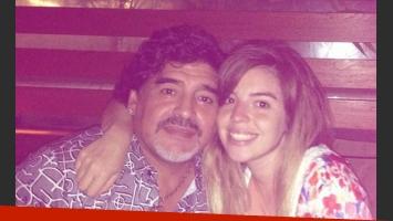 Dalma Maradona subió esta imagen junto a su papá en Dubai (Foto: Twitter).