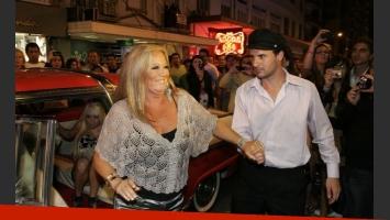Estelita Ventura al llegar, en limusina. (Foto: Ciudad.com/Jorge Amado Group)