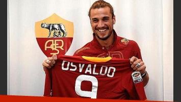 Daniel Osvaldo, al ser presentado en la Roma de Italia. (Foto: archivo Web)