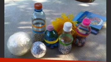 Mamá ahorrativa: Shakira le da juguetes caseros a su hijo. (Foto: Twitter)