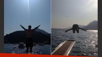 Jorge Rial tirándose al Mediterráneo. (Fotos: Twitter @rialjorge)