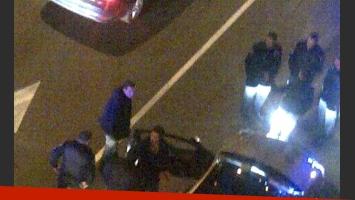 La foto de la violenta detención de Rodrigo Díaz (Foto: Twitter).