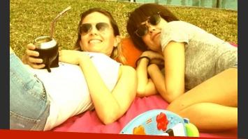 Isabel Macedo y Gisela Dulko, juntas en una tarde de relax. (Foto: Twitter)