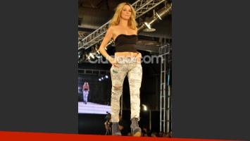Micaela Breque, otra de las famosas que desfiló. (Foto: Jennifer Rubio-Ciudad.com)