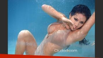 Adabel Guerrero posó para Ciudad.com en el agua.
