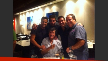 Carlín Calvo festejó sus 61 años con Matías Santoiani,
