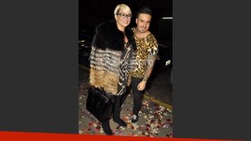 Carmen Barbieri y Fede Bal a la salida del teatro. (Foto: Jennifer Rubio-Ciudad.com)